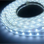 Led smd5050 mt.5 300l.b.ca calda ip44 780lum